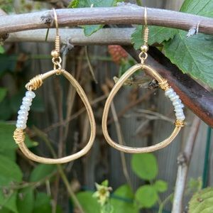 Jewelry - Boho gold and pearl earrings NEW